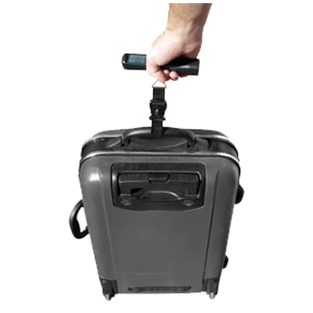 Báscula de equipaje pesando maleta