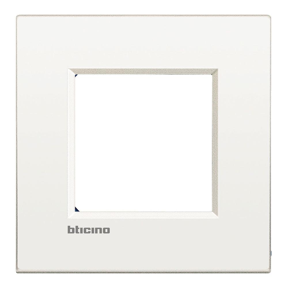 Marco blanco Bticino Living Light Air
